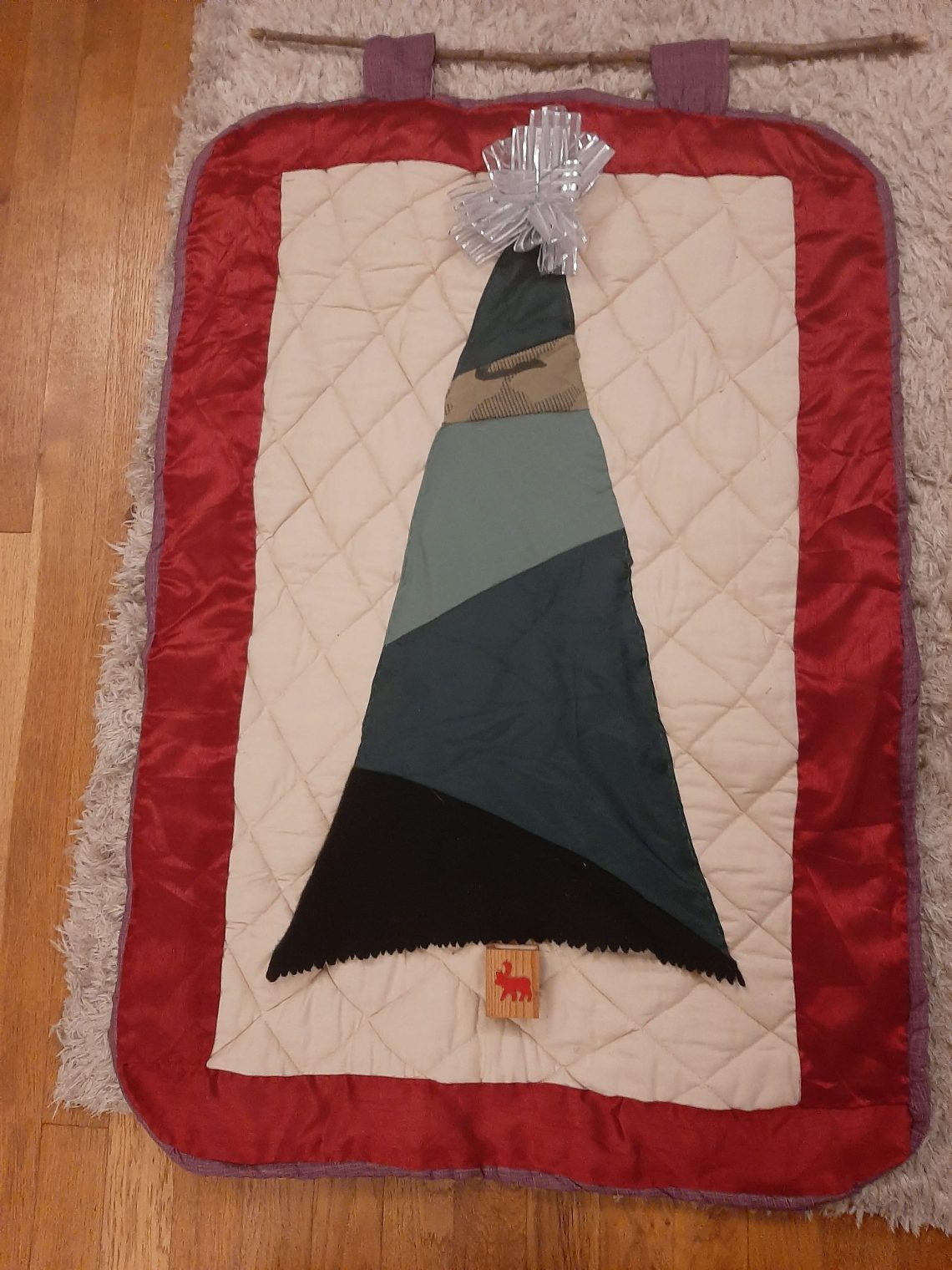 fabric christmas tree wall hanging