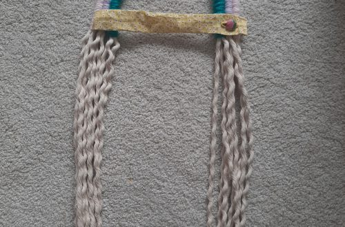 Rope rainbow hairclip hanger